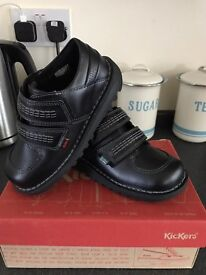 New Boys kickers shoes size 11