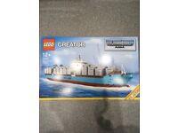 Lego maersk ship 10241