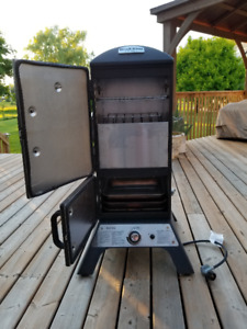 Broil King propane smoker