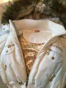 WHITE APPLE BOTTOM BOMBER JACKET WITH FUR & GOLD ACCENTS Windsor Region Ontario image 3