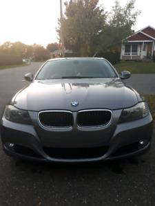 BMW 323I 2009 -Échange possible contre Pick-up - 123 000 km