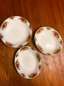 Royal Albert Old Country Roses Serving Bowls & Serving Plate