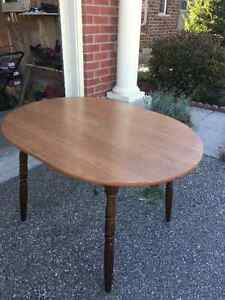 Dining table for sale Cambridge Kitchener Area image 1