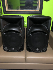 Selling 2 Mackie SRM450 active sound system ($450 each)