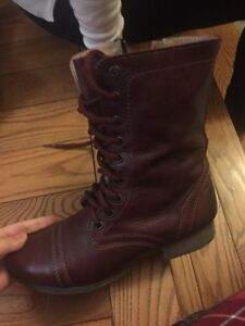 Burgandy combat boots Peterborough Peterborough Area image 1
