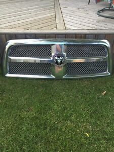 Dodge Ram 3500 2014 limited Grill