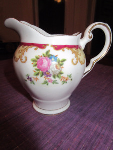 Tuscan Fine English Bone China Made in England - Lorraine