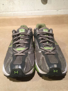 Women's Under Armour FootSleeve Running Shoes Size 9.5 London Ontario image 2