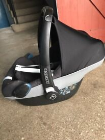 Maxi cozi car seat in excellent condition only £70