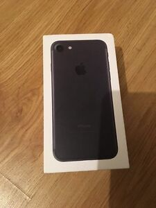 iPhone 7 Rogers/Fido in box