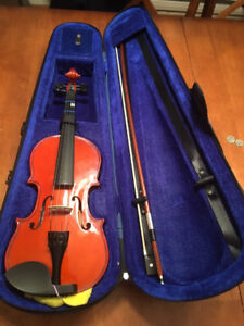 1/2 fiddle for sale, in great condition.
