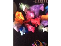 Toy pony bundle and accessories