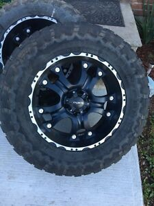 "35"" tires on 20"" rims  6x5.5 bolt pattern"