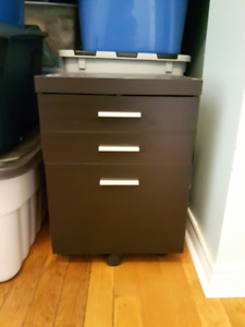 filing cabinet drawers