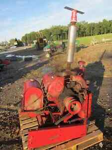 Wisconsin 4 Cylinder Air Cooled Motor - 37 HP - Gas - Model VG4D