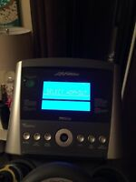 Life fitness x3 cross trainer with advanced workout console