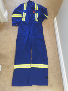 BRAND NEW COVERALL FOR WOMAN