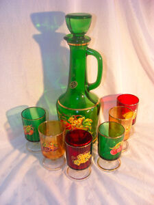 Beautiful Vintage Italian Decanter Set With 6 Liqueur Glasses
