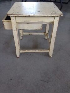 Antique distressed end table London Ontario image 4