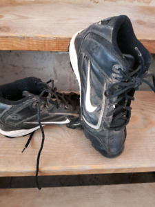 Football.cleats size 7