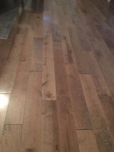 Plancher de bois franc en merisier  **260 pieds carrés**