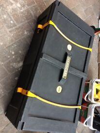 Hard case HN 36 W