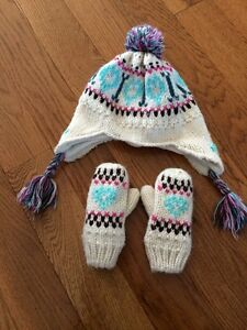 Size 1-3 kid toque / hat and mitts