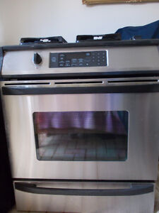 Oven is electric and Stove Top is gas KENMORE ELITE