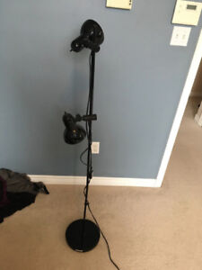 Lamp stand with 2 lamps