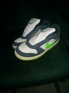 Size 8.5 Nike air Force