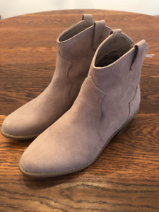Old Navy Boots - brand new