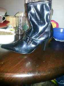 Size 10 womens shoes and boots London Ontario image 2