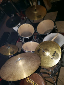 Drum kit with DOUBLE KICK