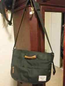 Herschel Messenger padded laptop bag.