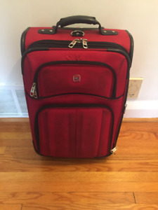 SWISS RED LUGGAGE BAG/SUITCASE