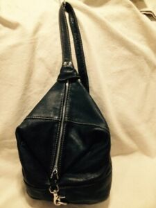 Rugged Black Leather Bucket Style Shoulder Bag by SMS Canada