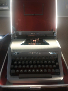 1951 Royal Quiet DeLuxe typewriter