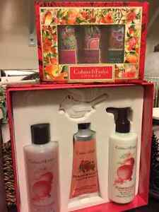 CRABTREE AND EVELYN BATH AND BODY SETS