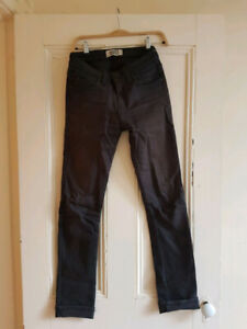 Naked and Famous Denim - Super Skinny - Size 29