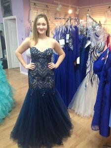 Beautiful Grad and Prom Dress for Sale!! St. John's Newfoundland image 3