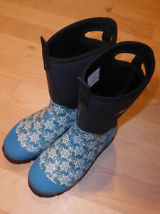 Baffin BOGS-style winter boots, youth size 6