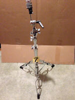 DW 9000 cymbal stands (2x boom, 1x straight).