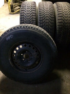 Winterforce 265/75r16 roue jeep
