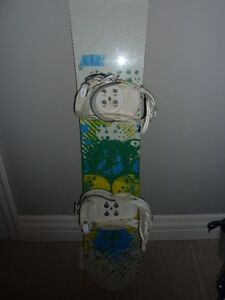 STILL AVAILABLE 138cm Forum Aura Snowboard and Bindings Cambridge Kitchener Area image 7