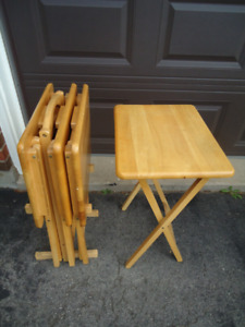 SET OF 4 QUALITY FOLDING SNACK TABLES WITH STAND - $100 NEW