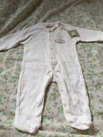 100 % Organic Cotton onesie for new born - BNWT - imported, gift