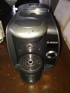 Tassimo coffee brewer with t-discs