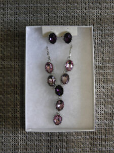 NEW earring & necklace set - comes with box **great gift idea**