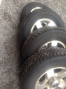 4/ kia winter tire & aluminium rims 205/70/15