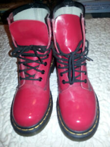 Women`s Size 6 Cherry Red Doc Maarten 8 Eye Boot